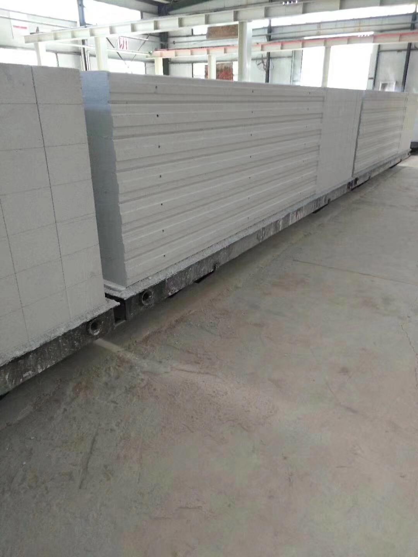 ALCzheng压轻质hunning土板生产